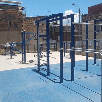 parque infantil azul